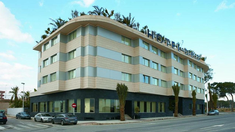 arquitecto hotel ARECA TORRELLANO